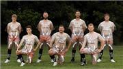 Đội bóng gây choáng với trang phục thi đấu xuyên thấu