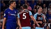 VIDEO Chelsea 2-2 Burnley: Chelsea mất điểm, MU, Arsenal mừng thầm