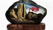 VIDEO: Thưởng thức ảnh phụ nữ khỏa thân trên đá đen của nghệ sĩ Thái Phiên