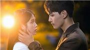 'Hotel Del Luna': Lụi tim với cảnh IU vừa hát nhạc phim vừa hôn đắm đuối nam chính