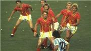 Phía sau bức ảnh lột tả sự vĩ đại của Diego Maradona