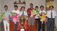 UBND tỉnh Nghệ An tặng thưởng SLNA 1 tỷ đồng