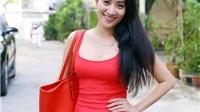 Khánh Thi diện đầm bó sát dự ra mắt sách về showbiz