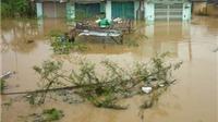 Quảng Nam và Đà Nẵng bị chia cắt trong mưa lũ