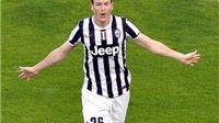 Vì sao Juventus cần sớm gia hạn hợp đồng với Lichtsteiner?