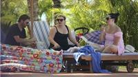Kelly Clarkson tắm nắng ở Phú Quốc