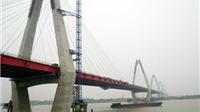 Đằng sau sự hiếu kỳ với cầu Nhật Tân