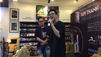 'Phù thủy sân khấu' Thành Lộc ra mắt sách kỷ niệm 45 diễn xuất