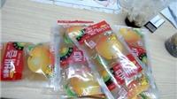 Phát hiện hàng chục tấn trái cây, nước ép quả không nhãn mác