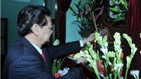 Thủ tướng Nguyễn Tấn Dũng dâng hương tưởng niệm Chủ tịch Hồ Chí Minh nhân Tết Ất Mùi