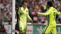 Barca chật vật thắng Granada: Đá chán, nhưng may còn có Rakitic, Suarez