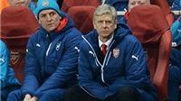 Wenger: Arsenal 'xứng đáng bị hành quyết' vì thất bại trước Monaco