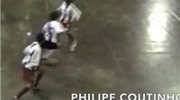 Kĩ thuật điêu luyện của Coutinho năm 9 tuổi trên sân futsal