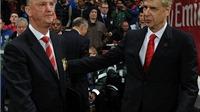 HLV Wenger truyền thụ kinh nghiệm cho Van Gaal: 'Man United mua nhiều là loạn đấy!'