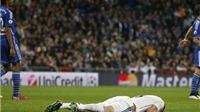 Sân Bernabeu vẫy khăn trắng, la ó cầu thủ Real, vỗ tay tán thưởng Schalke