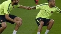 Pique: 'Dani Alves là hậu vệ phải hay nhất trong lịch sử Barca'