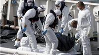 Italy bắt giữ thuyền trưởng và thuyền phó tàu di cư trái phép bị lật