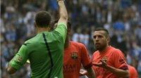 Phản ứng với trọng tài, Jordi Alba nhận thẻ đỏ