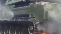 VIDEO: Xe chở tên lửa BUK bốc cháy trong lễ diễu binh 70 năm chiến thắng phát xít