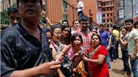 VIDEO động đất mới nhất ở Nepal: Những tòa nhà đổ sụp, những con người hoảng loạn
