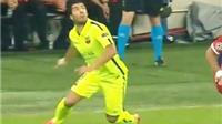 Xem Luis Suarez đánh gót ảo diệu qua đầu Benatia