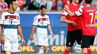 Freiburg 2-1 Bayern Munich: Nhà vô địch thua trận thứ ba liên tiếp