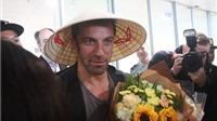 Del Piero rạng rỡ cùng nón lá Việt Nam