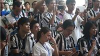 Nữ CĐV bay từ TPHCM ra Hà Nội, khóc xúc động khi gặp thần tượng Del Piero