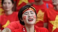 CHÙM ẢNH: CĐV khóc nấc vì thất bại của U23 Việt Nam