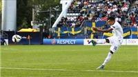 Che mờ Harry Kane, sao trẻ Man United lập siêu phẩm cho U21 Anh