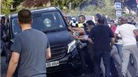Phẫn nộ với Uber, tài xế taxi Pháp 'choảng' cảnh sát, thiêu cháy hàng loạt xe hơi