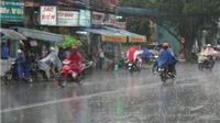 Ít phút nữa, Hà Nội có mưa dông, đề phòng tố lốc và gió giật