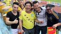 Nghệ sĩ Chí Trung: 'Bóng đá là sân khấu cuộc đời'