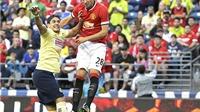 Morgan Schneiderlin ghi bàn ngay trận ra mắt Man United: Lời giải cho bài toán tiền vệ trụ