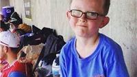 Cậu bé 9 tuổi qua đời vì tai nạn hi hữu trên sân bóng