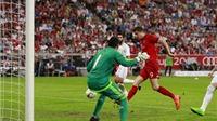 Pha bỏ lỡ không tưởng của Robert Lewandowski trước Real Madrid