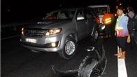 KINH HOÀNG: Tông xe liên hoàn trên cao tốc Trung Lương, 4 ô tô bị biến dạng, hành khách phải đi cấp cứu