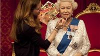 Gắn thêm hàng ngàn viên kim cương vào tượng sáp Nữ hoàng Elizabeth II