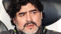 Diego Maradona: 'Sarri sẽ phá nát Napoli của tôi mất'
