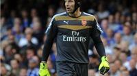 Để Cech dự bị, ông Wenger đang mạo hiểm với Champions League?