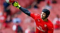 Harry Redknapp: 'Wenger đã sai khi để Cech dự bị ở trận gặp Olympiakos'
