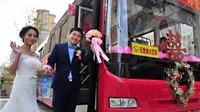 Trung Quốc: Chú rể 'chơi trội' đón dâu bằng xe buýt
