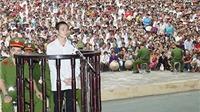 Hàng nghìn người theo dõi tòa tuyên tử hình Đặng Văn Hùng, kẻ giết 4 người ở Yên Bái