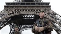 SỐC: Tháp Eiffel bị đóng cửa 'vô thời hạn' sau cuộc khủng bố Paris