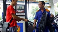 Giá xăng giảm gần 200 đồng/lít từ 15h chiều nay