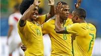 Brazil 3-0 Peru: Douglas Costa tỏa sáng giúp Brazil vươn lên vị trí thứ 3