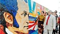 Vinh danh người anh hùng giải phóng của Venezuela trên 'Con đường gốm sứ'