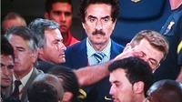 Truyền thống của M.U không chấp nhận HLV móc mắt đồng nghiệp như Mourinho