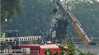 CHÙM ẢNH: Rơi máy bay quân sự tại Ấn Độ, 10 người thiệt mạng