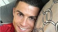 Ảnh Giáng sinh nhà Becks gây sốt, Ronaldo cô đơn nhưng ấm áp